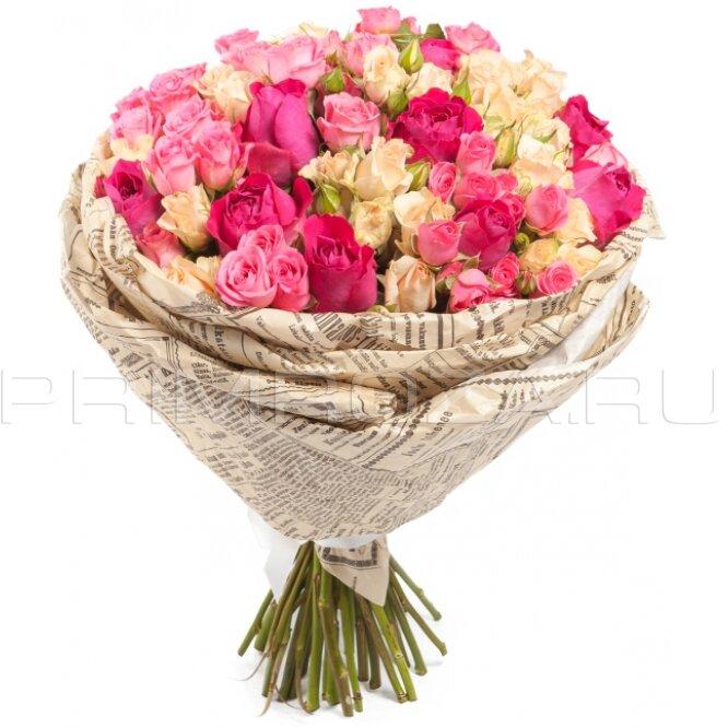 Обычно оформляют букет роз
